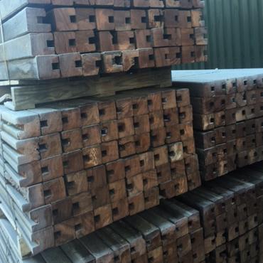 Azobe palen 10 10 bouwmaterialen for Egaline praxis