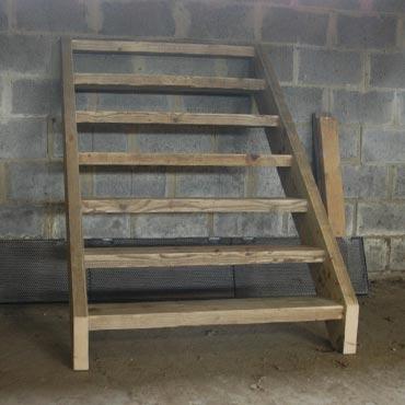 Trappen traptreden in gebruikt steigerhout for Dikte traptreden hout