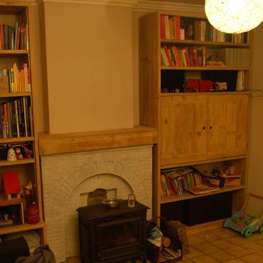 Boekenkast / Vitrinekast op maat in gebruikt steigerhout 2