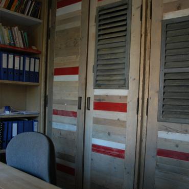 Bureau op maat in gebruikt steigerhout