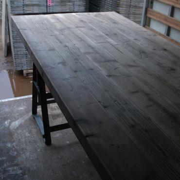 Tafelbladen in gebruikt steigerhout / wit spuiten onderstellen 3
