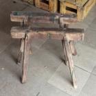 Oude houten schragen 48h x 57b x 35d