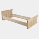 Eénpersoonsbed in gebruikt steigerhout