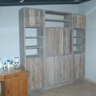 Boekenkast / Vitrinekast op maat in gebruikt steigerhout