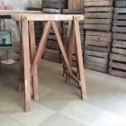Oude houten schragen 70b x 84h x 45d