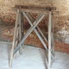 Oude houten schragen 180h x 130b x 78d
