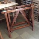 Oude houten schragen 110b x 88h x 50d