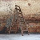 Oude houten ladder 135h x 44,5b