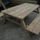 Picknicktafel in gebruikt steigerhout