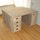 Bureau met 8 schuiven en 2 deurtjes in dik gebruikt steigerhout