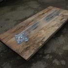Industriele salontafel 'PELLET' in oude eik en metaal