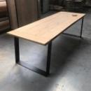 Industriele Tafel 'SLOMET' in oude eik