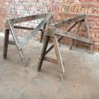 Oude houten schragen 61h x 98b x 50d