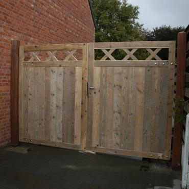 poort in gebruikt steigerhout en gebruikt baddingenhout